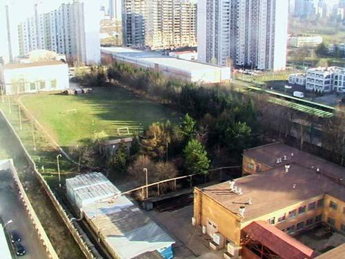 Технические сооружения Метро-2 в Раменках. Раньше на этом месте была стройплощадка «Трансинжстроя», как считают, строившего тоннель и бункер-город в Раменках. Фото: Wikimedia