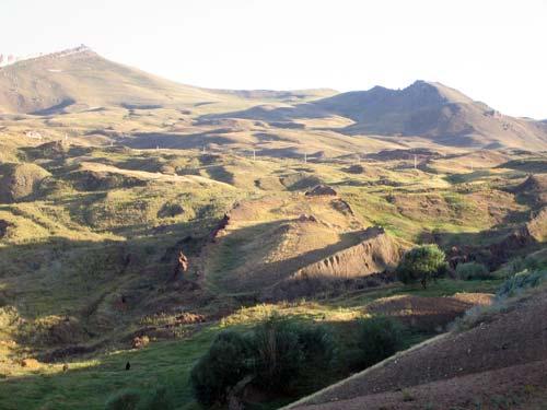 Фото предполагаемых останков ковчега возле горы Арарат в Турции. wikipedia
