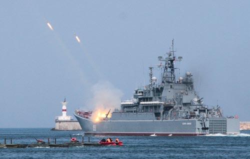 Большой десантный корабль «Цезарь Куников». Источник: Алексей Павлишак / ТАСС