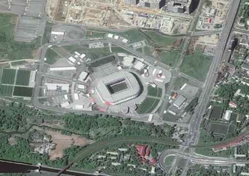Стадион в Москве, домашняя арена московского футбольного клуба «Спартак». Вместимость стадиона — 45 360 человек.