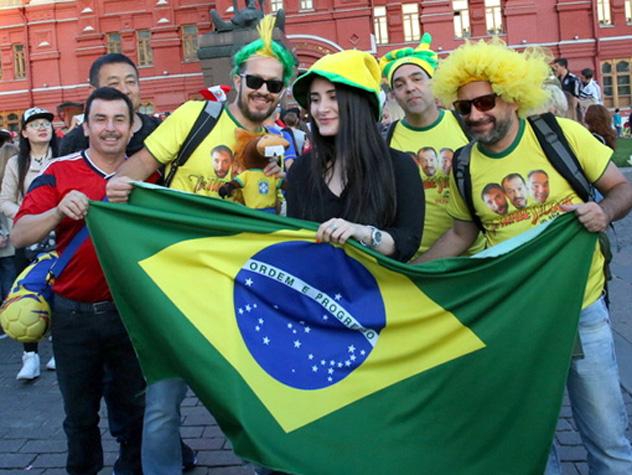 Более 100 тысяч иностранных болельщиков посетили Сочи в дни ЧМ