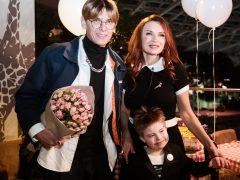 Эвелина Блёданс с сыном Семёном, Влад Лисовец