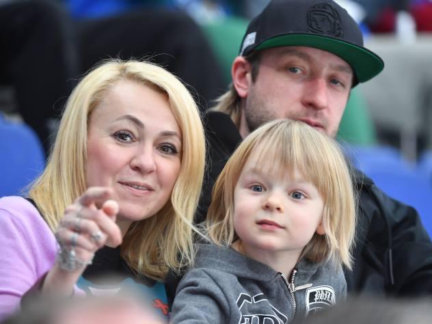 Рудковская с мужем и сыном