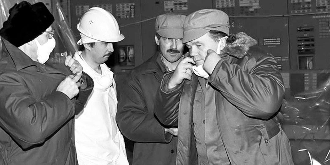 Когда на ЧАЭС прибыли учёные, действия ликвидаторов аварии стали более осмысленными, что помогло избежать жертв (Евгений Павлович в мае 1986 года)
