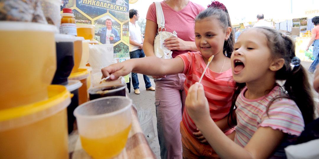 Опыты показали: регулярное употребление небольшого количества меда повышает память и сообразительность у детей. Фото Марины Волосевич/«Комсомольская правда»