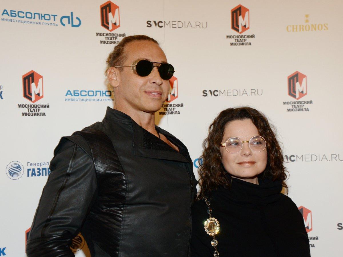 Игорь Николаев до сих пор содержит Наташу Королеву и ее мужа-стриптизера