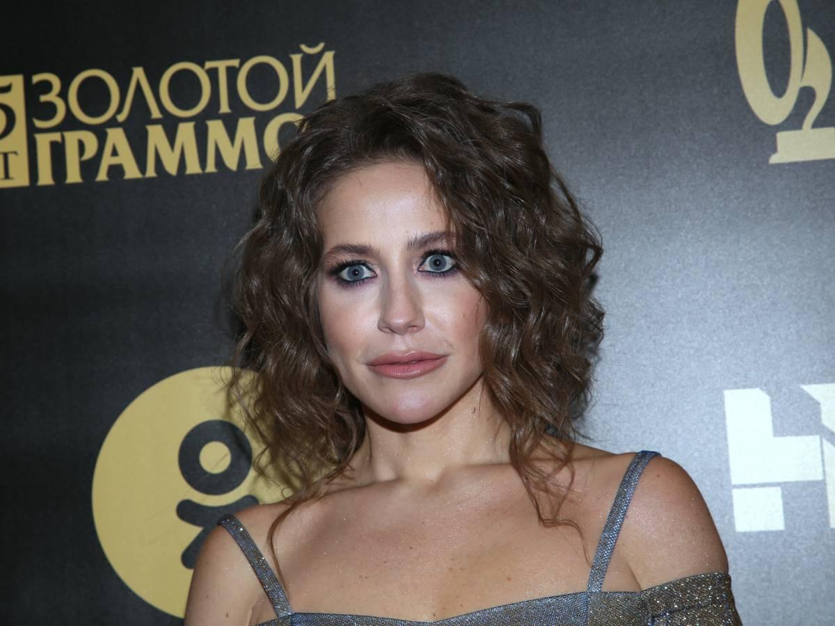 «Мой лучик света и партнер»: Юлия Барановская показала любимого парня